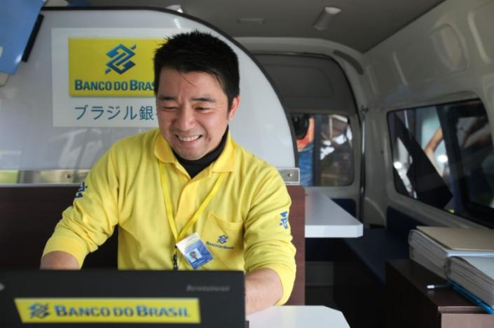 In Japan, Brazilian Companies Use Roving Vans to Reach Consumers – Even Banking Services