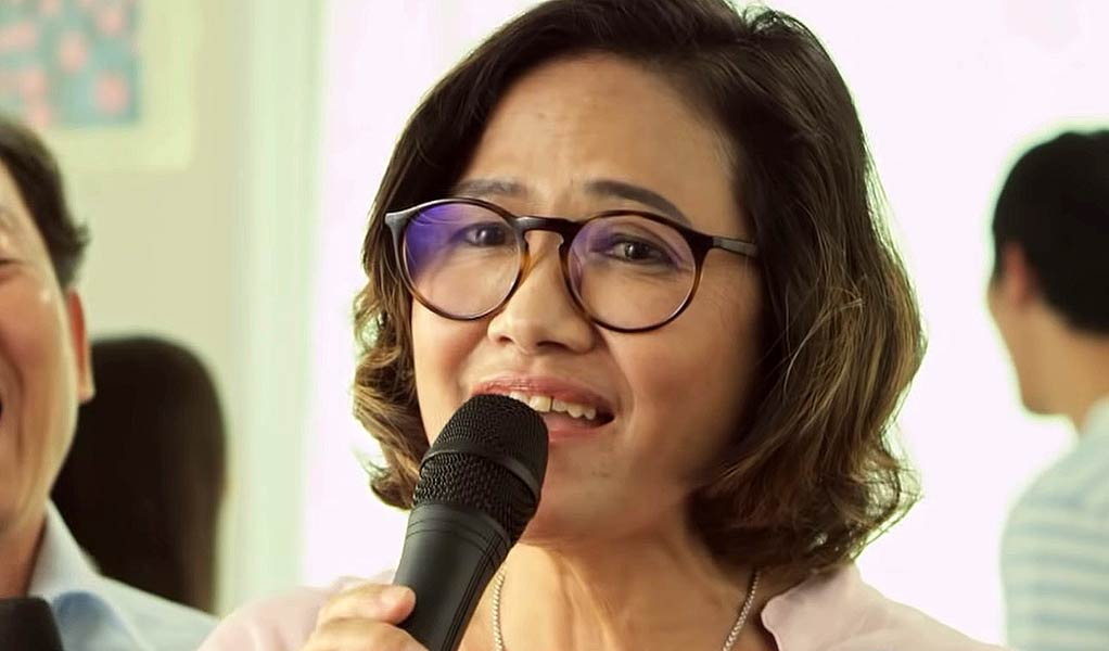 Karaoke With Missing Lyrics – Clever Campaign to Fight Alzheimer's in Thailand