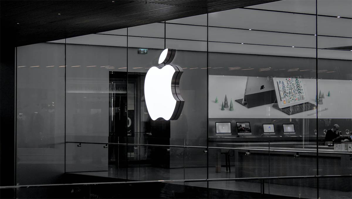 Apple Grows by a Staggering 87%, Reclaims Title of Worlds Most Valuable Brand