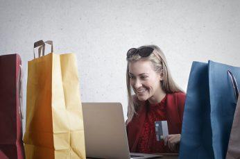 Baozun Acquires Full Jet as E-Commerce Booms