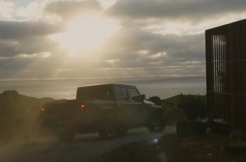 Jeep Invites Aussies to Work Far From Home