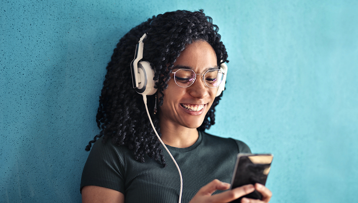 Interactive Voice Ads Are Here: How Brands Can Jumpstart Customer Engagement on Audio Platforms